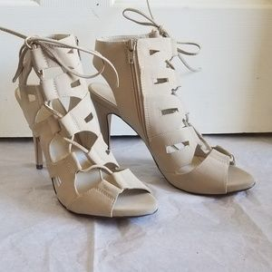 NEW Nude Lace-Up Ghillie Heels size 8.5
